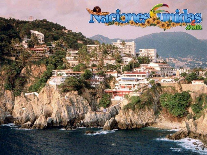 quebrada cliff en acapulco